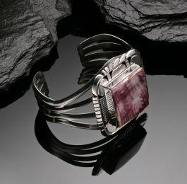 Silver bracelet with Spiny Oyster stone