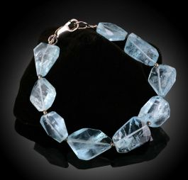 Aquamarine Free-Form Beaded Bracelet