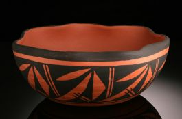 Acoma handmade bowl with Bear Paw Print